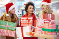 Christmas-shopping-at-retailers